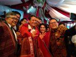 wakil-gubernur-dki-jakarta-sandiaga-uno-disambut-jemaat-gereja-cilincing_20171111_160529.jpg