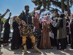 wanita-afghanistan-demonstrasi-anti-pakistan-di-dekat-kedutaan-pakistan-di-kabul-7-september-2021.jpg