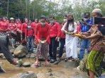 warga-dan-tokoh-lintas-iman-doa-bersama-demi-keselamatan-dan-kelestarian-sungai-progo.jpg