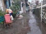 warga-di-kelurahan-warungboto-mulai-membersihkan-rumahnya.jpg