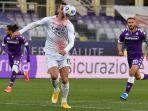 zlatan-ibrahimovic-bersiap-menembak-di-liga-italia-serie-a-fiorentina-vs-ac-milan-21-maret-2021.jpg