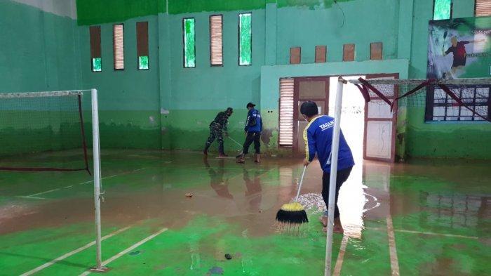 Banjir di Sembakung Nunukan 3,60 Meter, 40 Relawan Kampung Siaga Bencana Bersihkan Endapan Lumpur