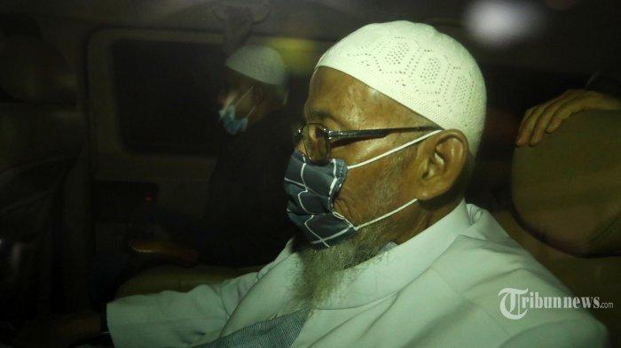 Abu Bakar Baasyir Minta Maaf, Disambut Takbir hingga Lakukan Ini saat Tiba di Pesantren Ngruki