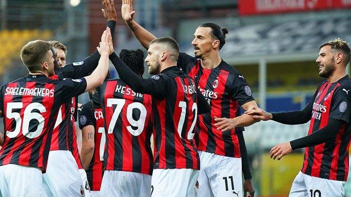 Hasil Liga Italia, Ibrahimovic Diusir Wasit, AC Milan Bungkam Parma, Inter Milan Dalam Tekanan