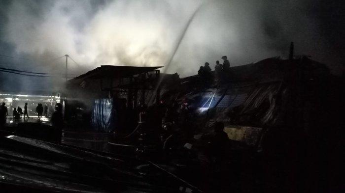4 Jam Relawan dan Pemadam Hadapi Kebakaran Gudang Kayu PT Sumalindo, Si Jago Merah Akhirnya Padam