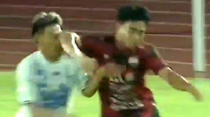 2 Kartu Merah Laga Liga 2 AHHA PS Pati FC vs Persijap, Tampar Tangan Wasit Sampai Sikut Lawan Main