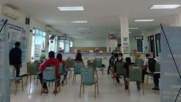 Disdukcapil Raih Predikat OPD Pelayanan Publik Tertinggi di Malinau, Wesly Ding: Ini Kerja Keras Tim