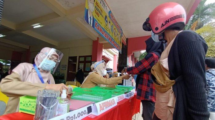 Aktivitas Penerimaan Peserta Didik Baru (PPDB) di SMPN 7 Tarakan, Senin (21/6/2021). TRIBUNKALTARA.COM/ANDI PAUSIAH