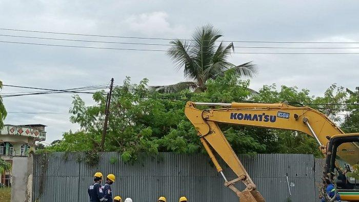 Aktivitas perbaikan titik kebocoran oleh PT Medco E&P Tarakan, Jumat (16/7/2021)