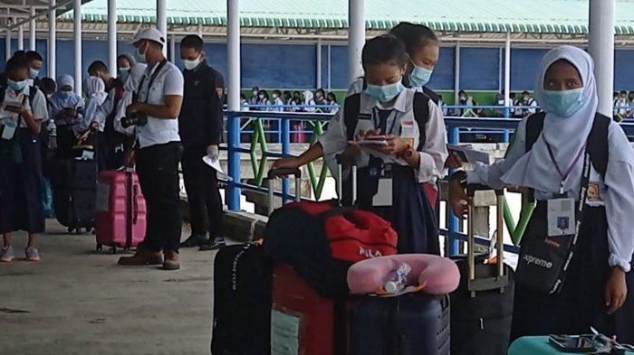 Sebanyak 145 anak Pekerja Migran Indonesia dari Sabah, Malaysia tiba di Nunukan, Kalimantan Utara (Kaltara), Kamis (31/12/2020). (TRIBUNKALTARA.COM/ Febrianus Felis)