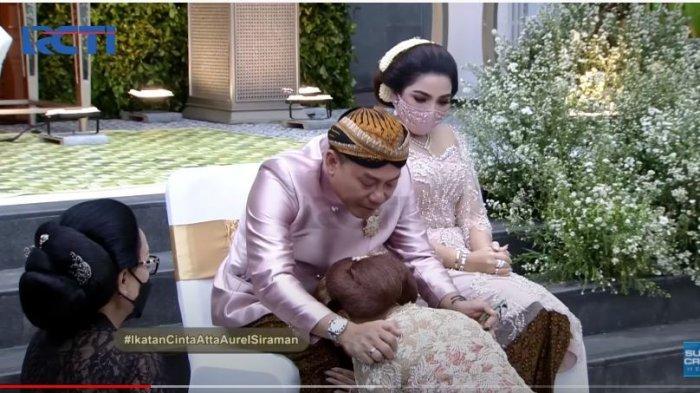 Tangi Anang Hermansyah pecah di acara siraman putri sulungnya, Aurel Hermansyah, Jumat (19/3/2021).