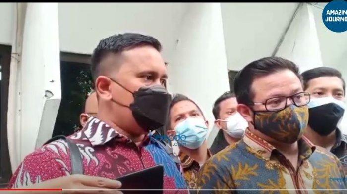 Keterangan tim kuasa hukum terdakwa penyebar video syur Gisel dan MYD, MN saat memberikan keteragan di PN Jakarta Selatan, Selasa (16/3/2021).
