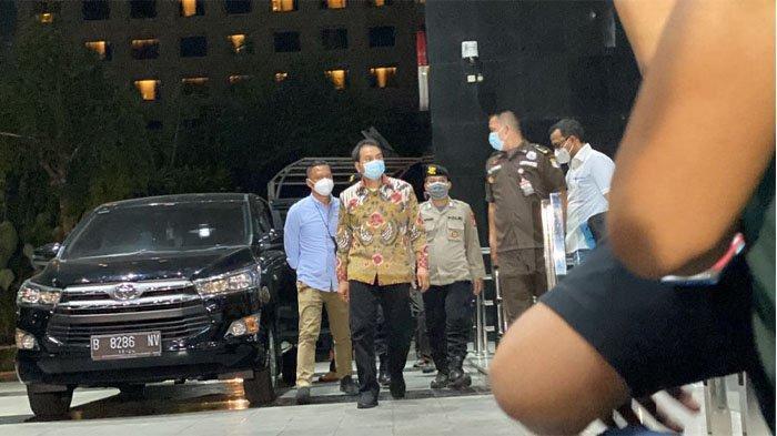Diduga Terkait Kasus Suap DAK Lampung Tengah, Azis Syamsuddin Tiba di KPK, Bakal Ada Tersangka?