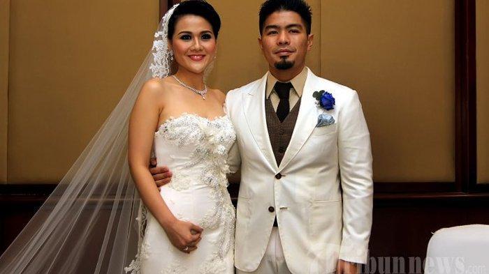 Mikhavita Wijaya dan Bams eks Samsons saat menikah pada 2014 silam. (Tribunnews/Jeprima)