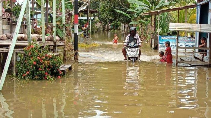 UPDATE Air Sungai Kayan Berangsur Surut, BPBD Bulungan Tetap Lakukan Monitoring Tiap Jam