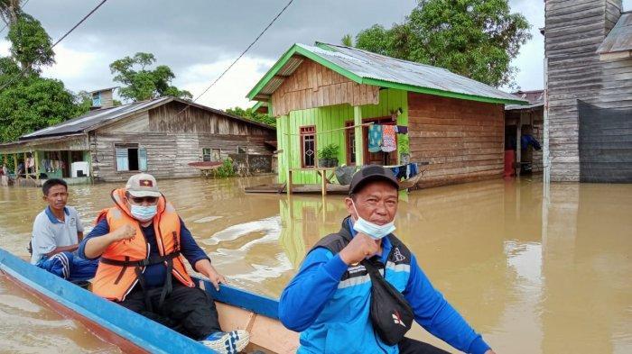 Banjir di Kecamatan Sembakung, Kabupaten Nunukan, Kalimantan Utara (Kaltara), mulai surut hingga 4,25 meter, Senin (18/01/2021). (HO/ KSB Sembakung)
