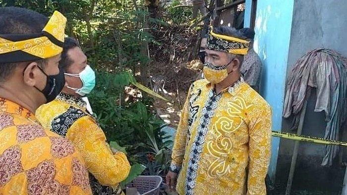 Wali Kota Tarakan, dr. Khairul, MKes didampingi sejumlah pejabat terkait mengunjungi lokasi longsor di RT 20 Kelurahan Sebengkok.