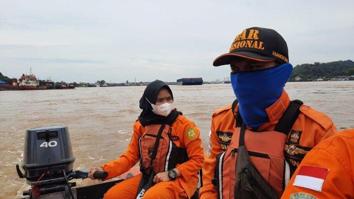 Kapal Tenggelam di Kawasan Jembatan Mahkota 2, Satu Anak Buah Kapal Hilang, Terlihat Tumpahan Minyak