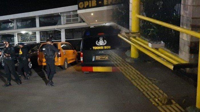 Geger Benda Mencurigakan di Depan GPIB Effatha saat Malam Jumat Agung, Polisi Penjinak Bom Bergerak