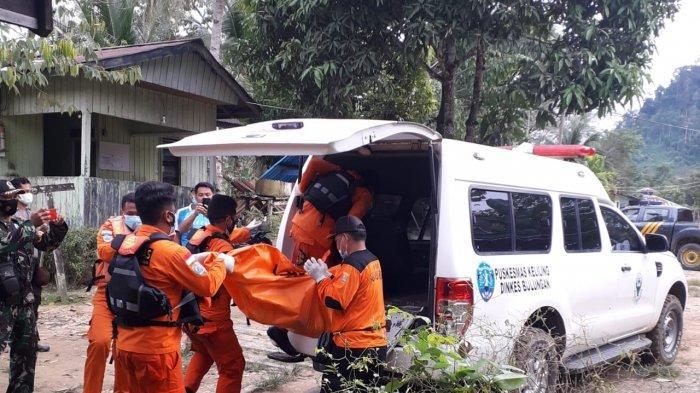 Proses Evakuasi Bocah Tenggelam Di Sungai Sekatak, Sabtu (13/2/2021). ( HO / BPBD Bulungan )
