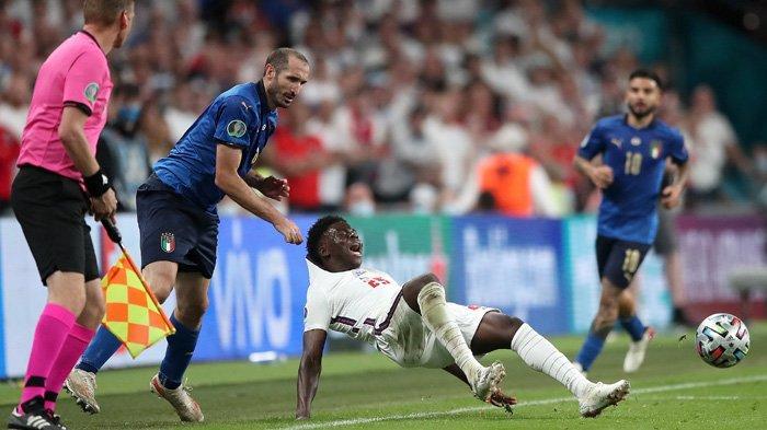 Bukayo Saka jadi Sasaran Rasis Suporter Inggris setelah Gagal Juara Euro 2020, FA Bereaksi