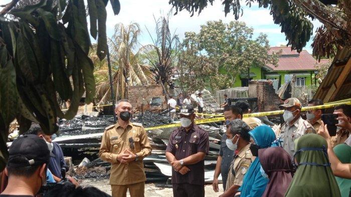 Kunjungi Lokasi Kebakaran Malinau Hilir, Bupati Janji Permudah Urus Dokumen Kependudukan Bagi Korban