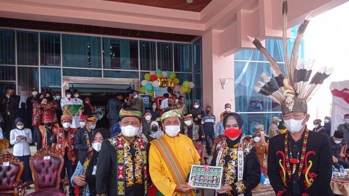 Bupati Nunukan Asmin Laura memimpin upacara HUT ke-22 Kabupaten Nunukan, Selasa (12/10/2021), pagi.
