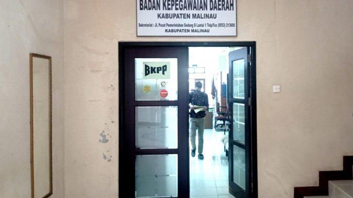 Suasana pelayanan administrasi kepegawaian di Kantor BKPP Malinau, Provinsi Kalimantan Utara, beberapa waktu lalu.