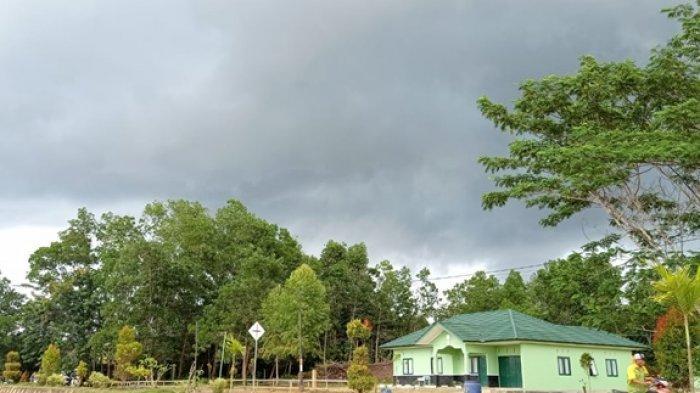 Cuaca di Kecamatan Sesayap, Kabupaten Tana Tidung pagi ini (28/7/2021) sedang berawan tebal. (TRIBUNKALTARA.COM / RISNAWATI)
