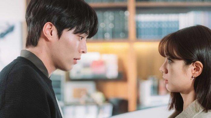 Cuplikan adegan Shin Woo Yeo dan Lee Dam pada episode 10 My Roommate Is a Gumiho, Kamis malam ini.