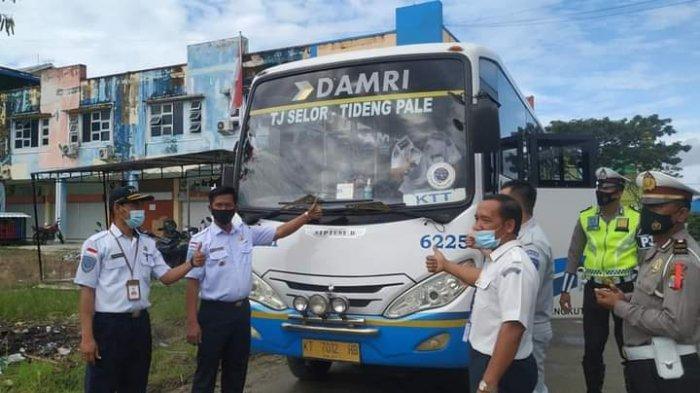 Bus Damri Tideng Pale-Tanjung Selor usai dilakukan inpeksi keselamatan lalu lintas dan angkutan jalan dalam rangka angkutan Natal dan Tahun Baru 2021.
