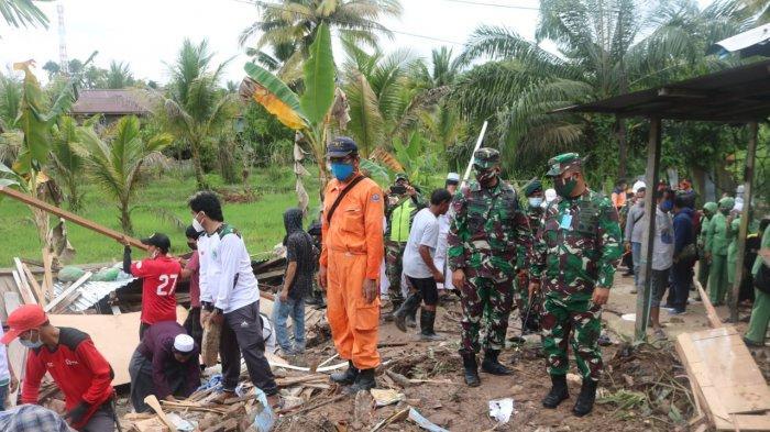 Korem 092 Maharajalila Jadikan 2 Rumah Terkena Bencana Tanah Longsor di Tarakan Sasaran Karya Bakti