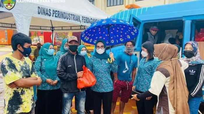 Bantu Kebutuhan Pokok Warga Jelang Hari Raya Idul Fitri 1442 H, Disperindagkop KTT Gelar Pasar Murah