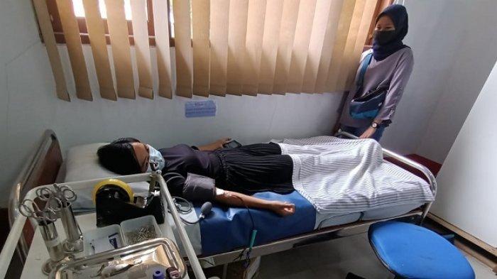 Ruslaeny saat melakukan screening untuk melakukan donor plasma convalencent di PMI Kota Tarakan, Rabu (21/7/2021).