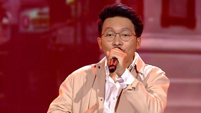 Finalis Indonesian Idol 2021 Kelvin. (Tangkapan Layar YouTube / Indonesian Idol)