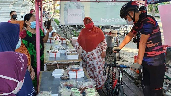 Aksi Ganjar Pranowo saat PPKM Level 4, Bantu Pedagang Kecil, Mampir Borong Dagangan PKL