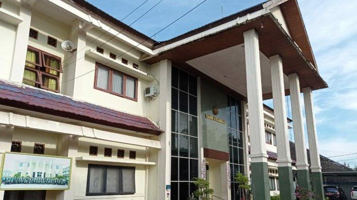 PN Tipikor Samarinda Kembali Tunda Sidang Iwan Ratman, Sebelumnya Beralasan Vertigo Sekarang Diare