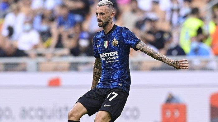 Situasi Inter Milan Rumit, Kedatangan Calhanoglu Bikin Brozovic Bisa Mulus ke Manchester United