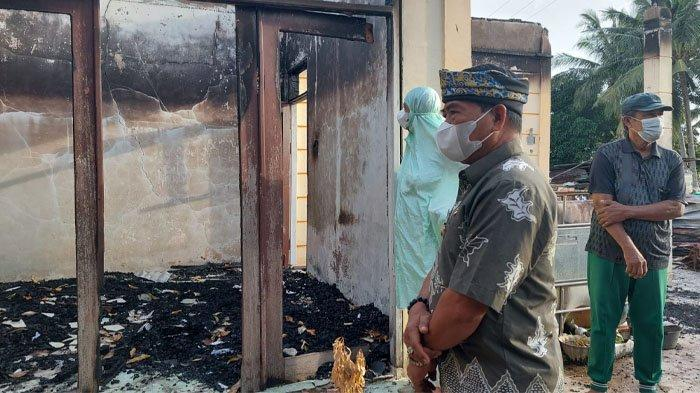 Gubernur Kaltara Zainal Arifin Paliwang Santuni Pemilik TPA Pantai Amal Kota Tarakan yang Terbakar