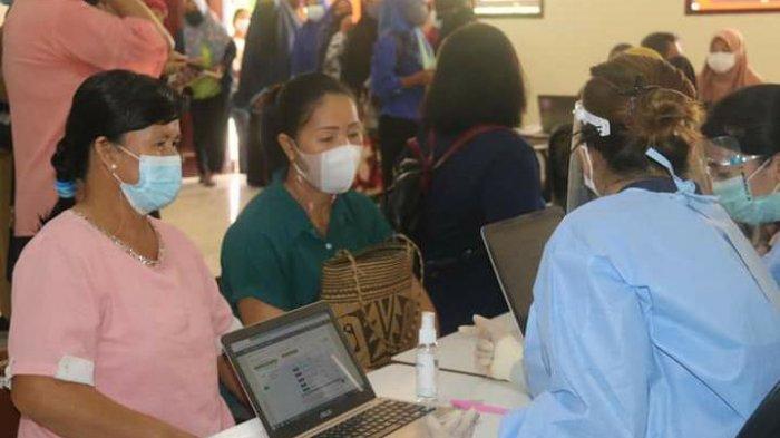 Istri Bupati Kabupaten Tana Tidung Pantau Vaksinasi Covid-19 Guru PAUD,86 Orang Masih Menunggu