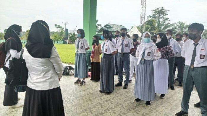 Hardiknas 2021, Kisah Guru Malinau Asal Jatim, 10 Tahun Mengajar di Kabupaten Perbatasan RI-Malaysia