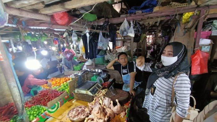 Tim Satgas Pangan Kota Tarakan melakukan sidak Pasar Gusher. Dalam sidak tersebut dipastikan harga tertinggi ayam tak melewati Rp 45 ribu per kg.