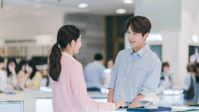 Sinopsis Hometown Cha-Cha-Cha Episode 12 Minggu Malam: Hye Jin Akhirnya Tahu Masa Lalu Doo Sik?
