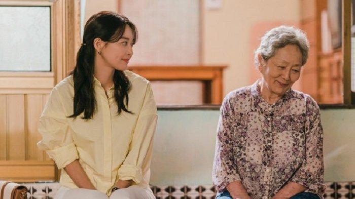 Sinopsis Drakor Hometown Cha-Cha-Cha Episode 3 Sabtu Malam, Hye Jin Luluhkan Hati Nenek Gam Ri