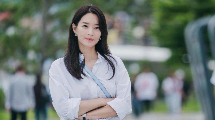 Sinopsis Hometown Cha-Cha-Cha Episode 6 Malam Ini, Hye Jin Cemburu Doo Sik Temui Perempuan Lain