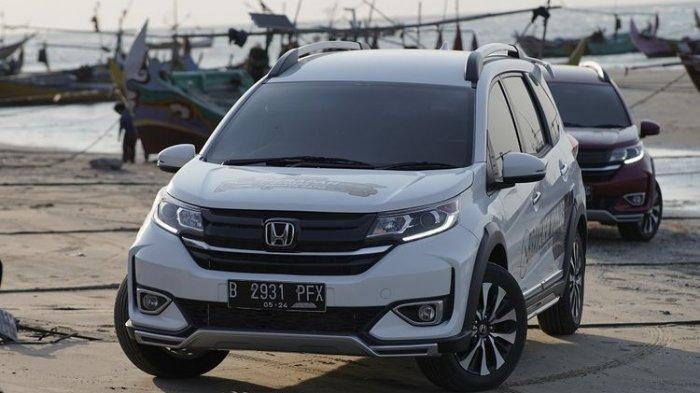 Honda BR-V saat memasuki kawasan pantai di daerah Rembang, Jawa Tengah(kompas.com)
