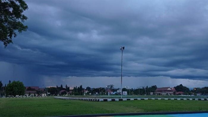 Peringatan Dini BMKG Minggu 12 September 2021, Waspada Potensi Hujan Lebat di Malinau Malam Ini