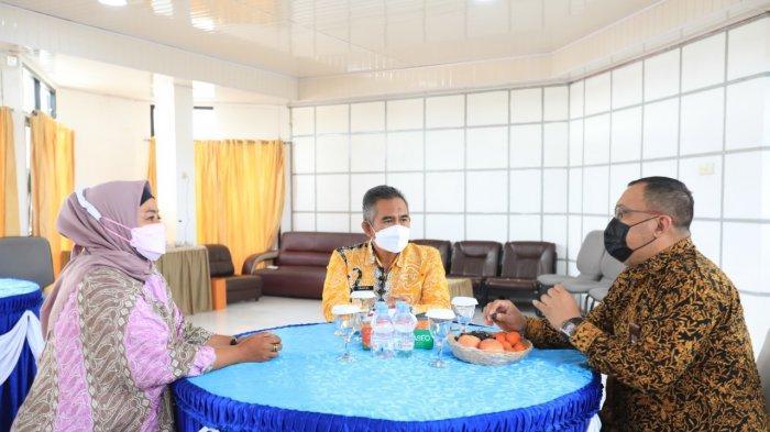 Wali Kota Tarakan dr Khairul, MKed menghadiri RUPS Bankaltimtara di gedung Bankaltimtara Cabang Tarakan, Kamis (8/4/2021).