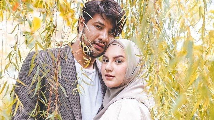 Perdana Ammar Zoni dan Irish Bella Ajak Air Rumi Nyekar ke Makam Kakak Kembar: Awalnya Agak Takut