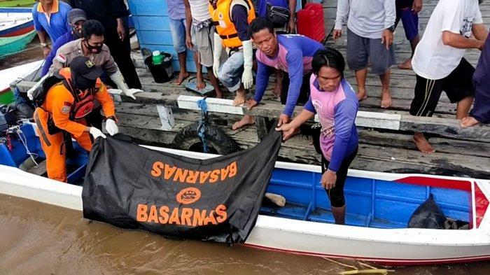 Jahra, korban speedboat terbalik di perairan sungai Sembakung ditemukan dalam kondisi meninggal dunia, Selasa (08/06/2021), pukul 12.00 Wita. (HO/ Basarnas Tarakan)